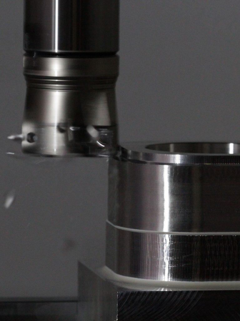 fresatura-1-768x1024-1 Fresatura nelle lavorazioni meccaniche di precisione